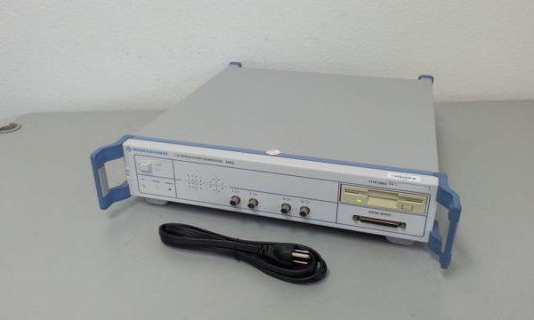 Rohde & Schwarz AMIQ04 Generator